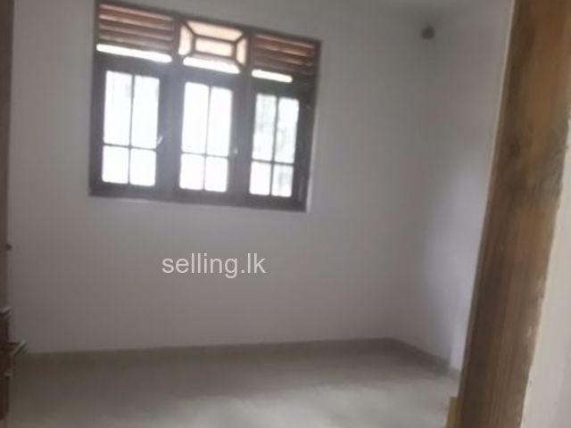 Room for rent - For working lady or student