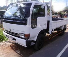 UD nissan lorry for sale