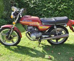Honda CB 125T