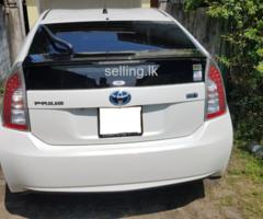 Toyota Prius Airport Drop/Pick up/Rent/Wedding Hire