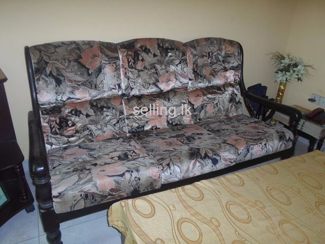 Three pieces settee