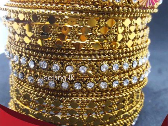 Stylish Ethnic Bangles Set