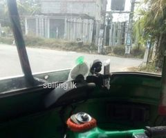 Bajaje 2stock three wheel for sale