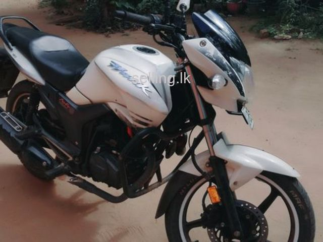 Hero hunk white motorbike for sale