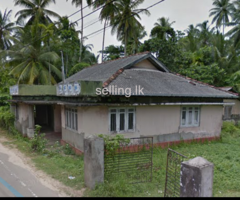 Land with house for sale in Ahungalla