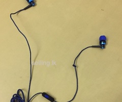 Linen earphones