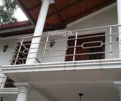 4 Bedroom upstair house for sale in Kurunegala