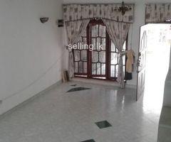 4 Bedroom upstair house for sale in Kurunegala