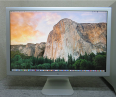 Apple HD Cinema Display 23""
