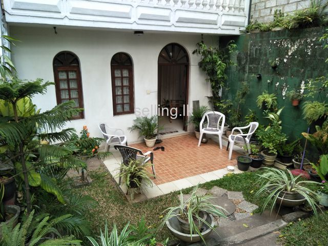 House with Land for Sale in Colombo 14