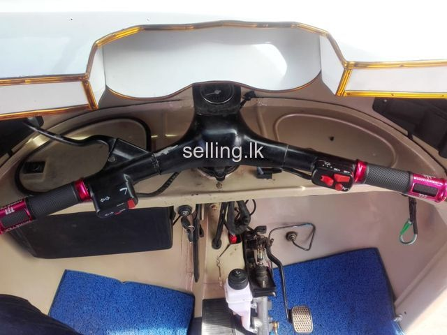 2 Stroke three wheel for Sale