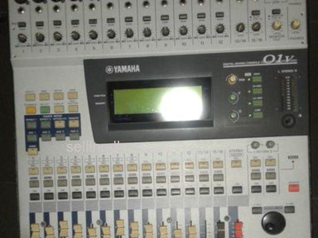 YAMAHA O1R DIGITAL MIXER