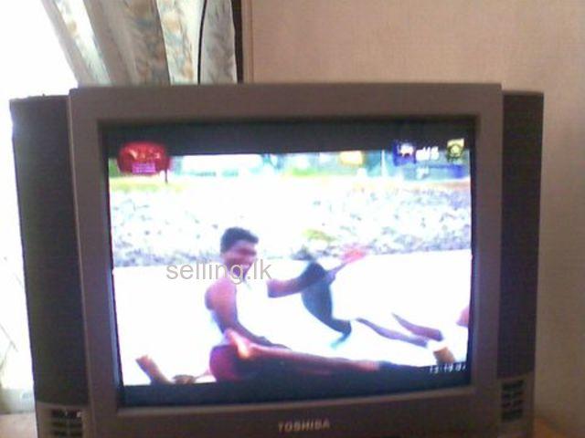 TOSHIBA COLOUR TV - 24
