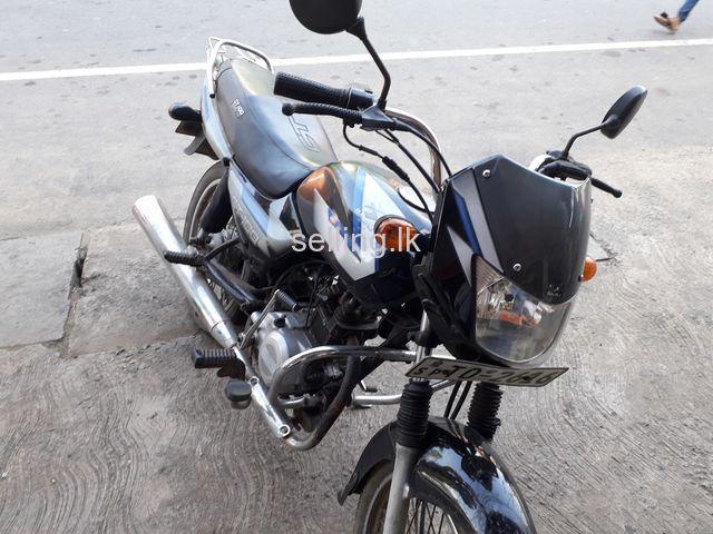 Bajaj CT100