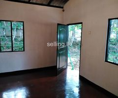 Small house with 15 perachase for sale in lngiriya