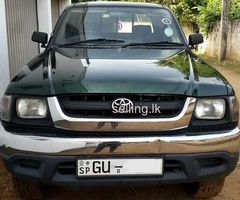 Toyota Hilux LN 166