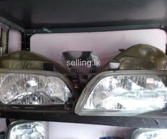 Nissan pulser head light