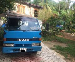 Isuzu lorry for sale