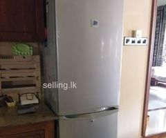 Refrigerator/Fridge
