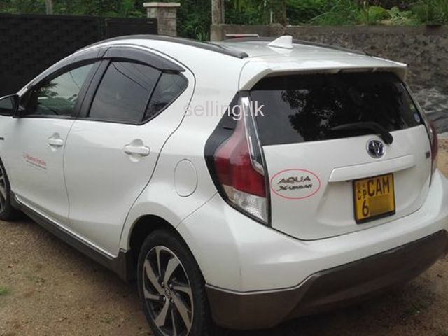 Toyota Aqua X URBAN - 2015