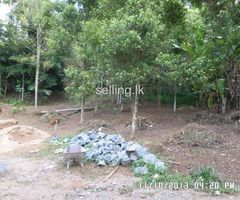 29 Perches land Hedeniya - Medawala road (near Idamegama school)