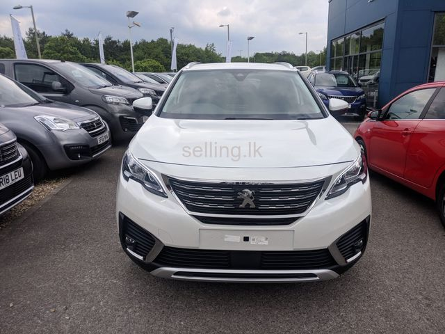 Peugeot 5008 Zero Mileage For Permit