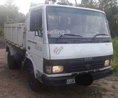 Tata 909 lorry
