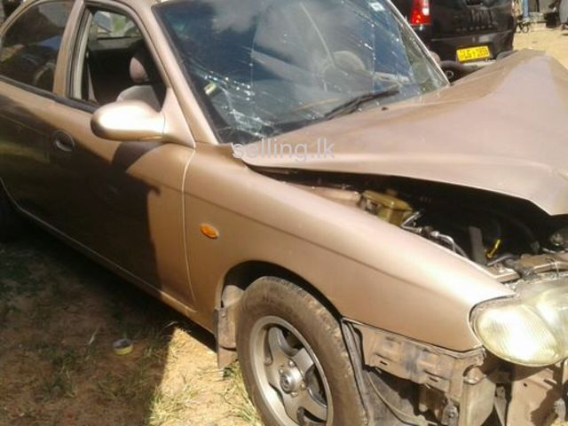 Kia Sephia 2001 accident car for sale