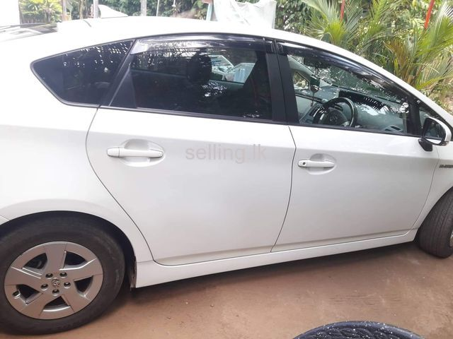 Toyota Prius 3rd 2012 for sale
