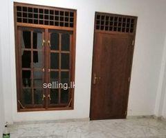 Rent/ Lease 2 BR House in Rajagiriya