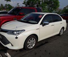 Toyota Axio Hybrid 2016
