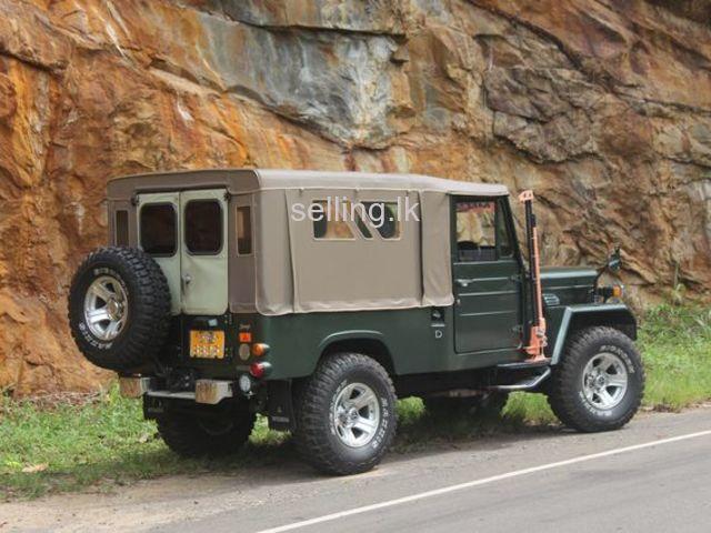 Mitsubishi 4DR5 J32 Jeep for sale