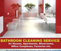 bathroom cleaning service