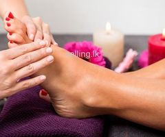 Pedicure / Saloon (experienced or non experienced girls)