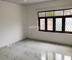 3 spacious bedroom house to rent in Rathmalana/Thelawala