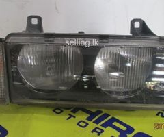B.M.W 318i - E36 HEAD LIGHT RIGHT SIDE