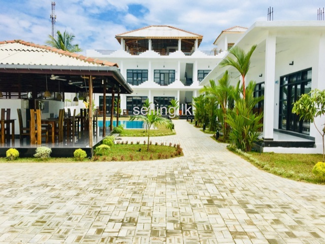 Brand new tourist hotel for sale in Arugambay