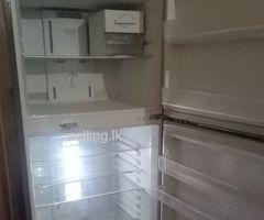 Daewoo refrigertaor (6feet)