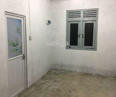 Room For Rent in katuwawala