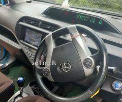 Toyota aqua G grade 2012