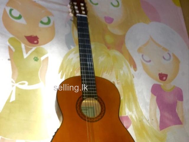 Yamaha cx40 semi acoustic classical guitar