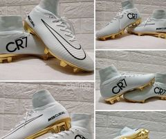 CR7 NIKE Ankle White Football Boot Brandnew