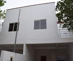 Two storey house for immediate sale in Thalawathugoda