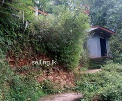 Land with a house for urgent sale in kegalla