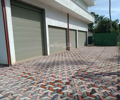 SINGLE STORY BUILDING RENT With parking facilities in Kesbewa