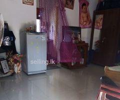 House for sale in Kiriwattuduwa