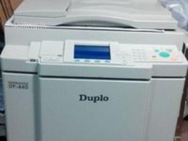 Duplo machine