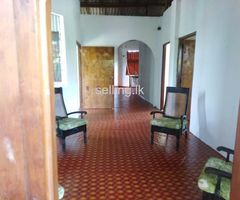 Upstair house for rent in Katubedda