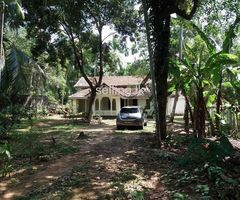 House with 43 perch land is for rent in Bandaragama