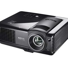 Multimedia Projector & Screen for Rent